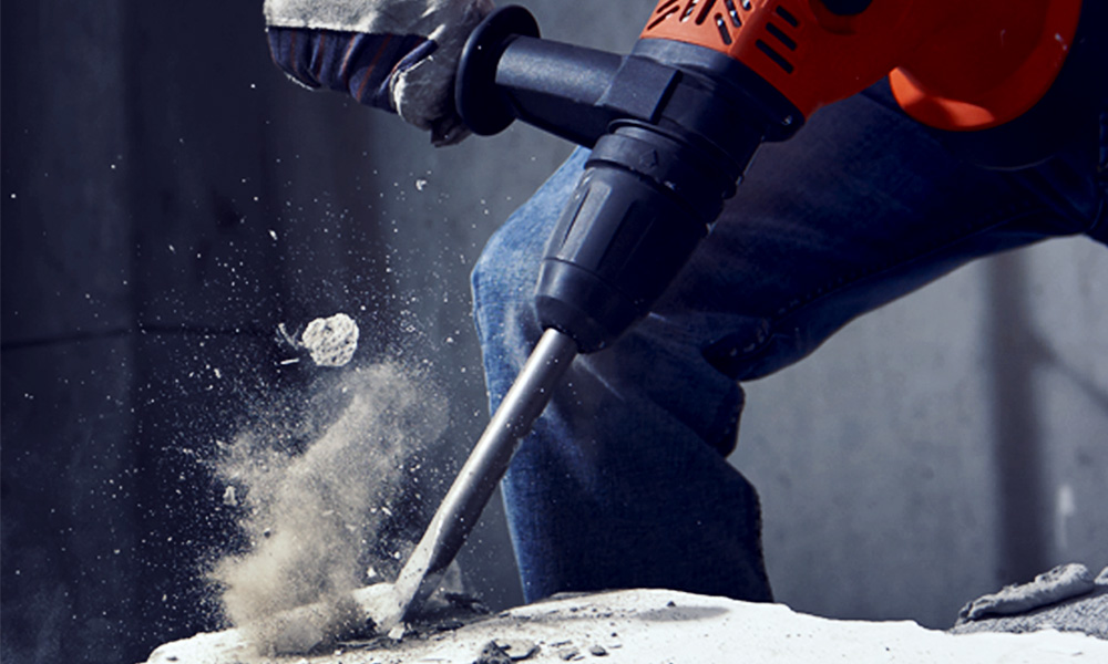 Heavy-duty rotary hammer designed for professional users