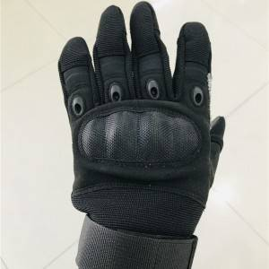 Tactical cut-proof gloves