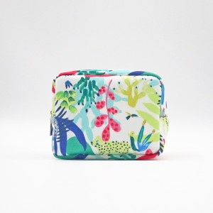 Colorful Polyester Makeup Bag Zipper Closure Durable Cosmetic Bag