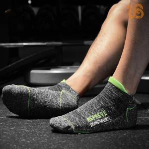 Fashion Design Sport Ankle Sock & Non Slip Yoga Socks