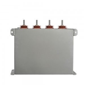 Inverter DC-link film capacitors in power conversion