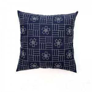 Wholesale embroidery flower design fashion decorative throw pillows for home cushion 511611
