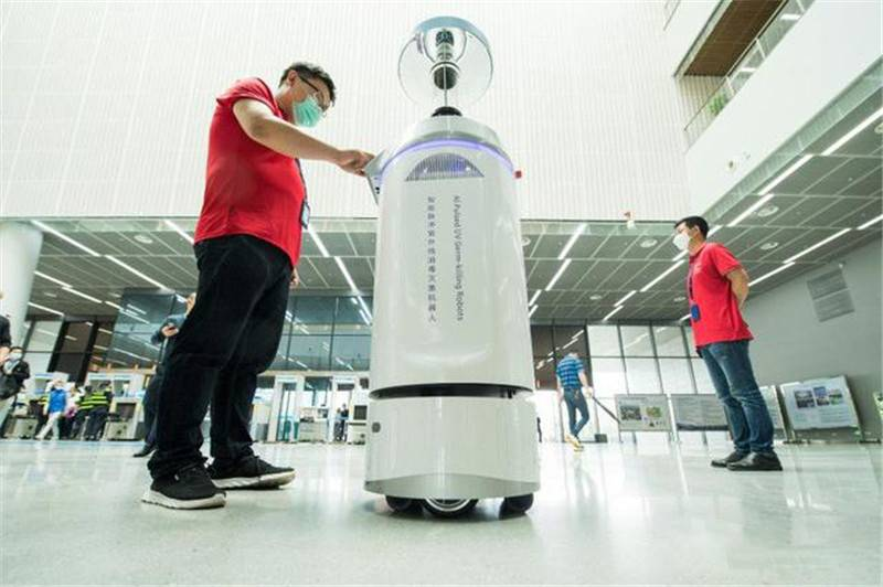 DONEAX technology's pulse disinfection and sterilization robot is used to kill pathogens and kill viruses, bacteria and superbacteria to improve environmental cleanliness.