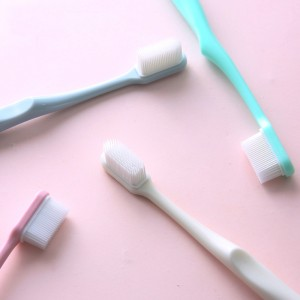 High polymer tpu bristles toothbrush protects the gums