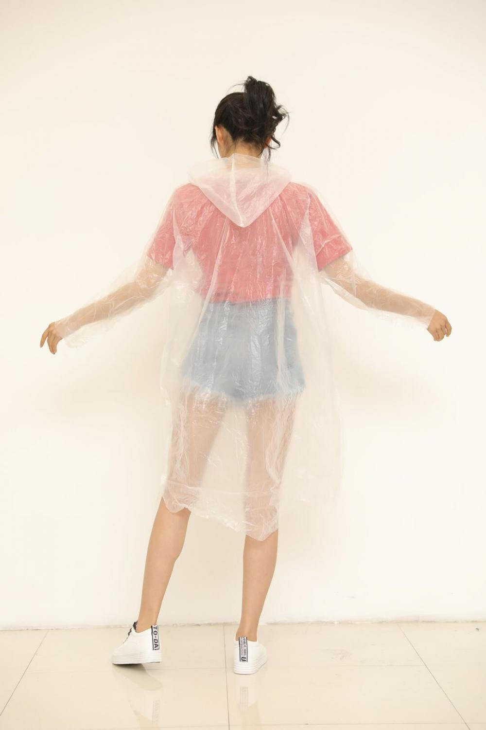 Disposable Plastic PE RainCoat With  Elastic