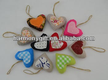 Item 6803 fabric heart with patch, jute rope