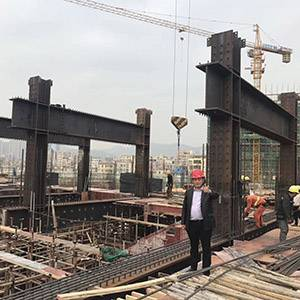 Steel bone of multi-story building in Shenzhen airlines is under installation