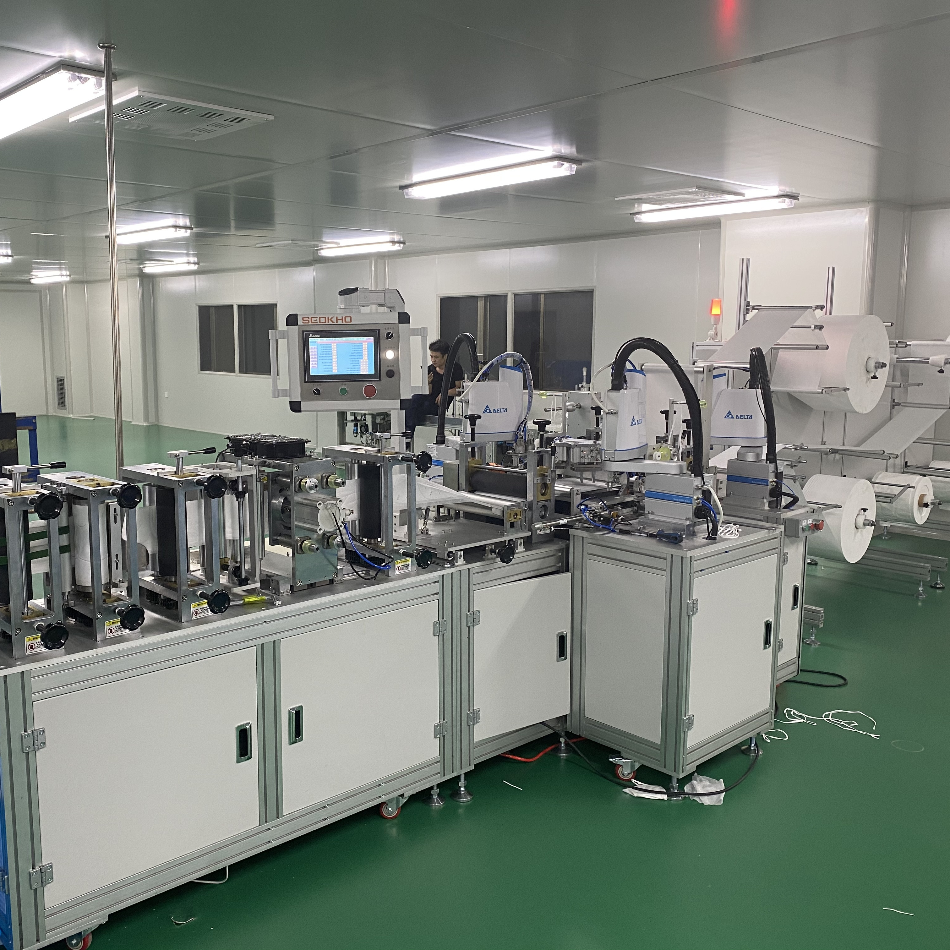 KN95/N95 full Automatic Surgical Face Mask Machine Slicer Machine Mask Slicing Machine Line