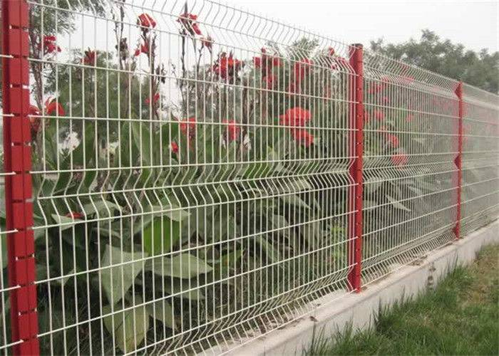 Curvy Welded Electro Galvanized Wire Mesh Fencing Beautiful 4.0mm Dia