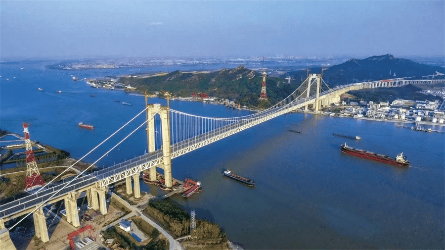 Shantui Janeoo assists the construction of the world's first high-speed rail suspension bridge-Wufengshan Yangtze River Bridge