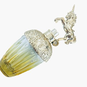 Custom-designed 80ml clear glass perfume bottle with gold lid