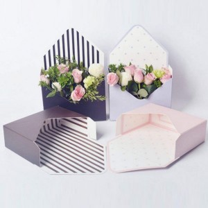 Amazon Hot Selling Envelope Shaped Flower Box