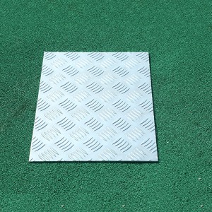 Diamond checkered aluminum sheet
