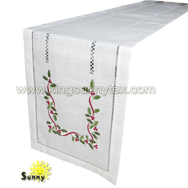 Christmas Table Runner Design-1 Featured Image