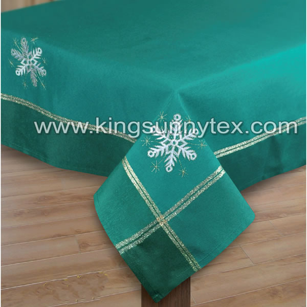Green Gold Thread Snow Globe Embroidery Tablecloth For Christmas