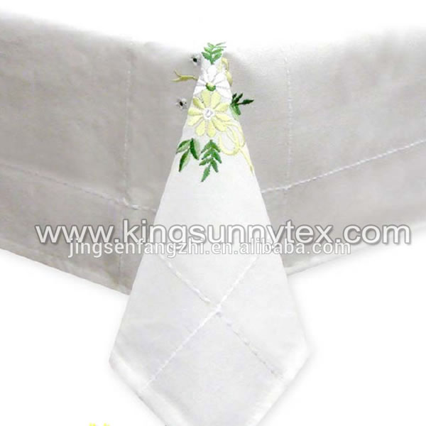 Table Cloth With Flower Embroidery For Easter