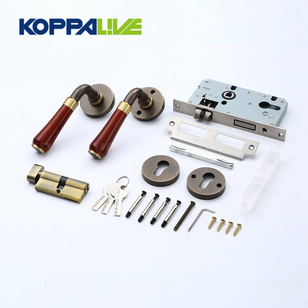 European Style Home Hardware Furniture Antique Brass Hotel Interior Door Mortise Key Lock Lever Handle Set Featured Image