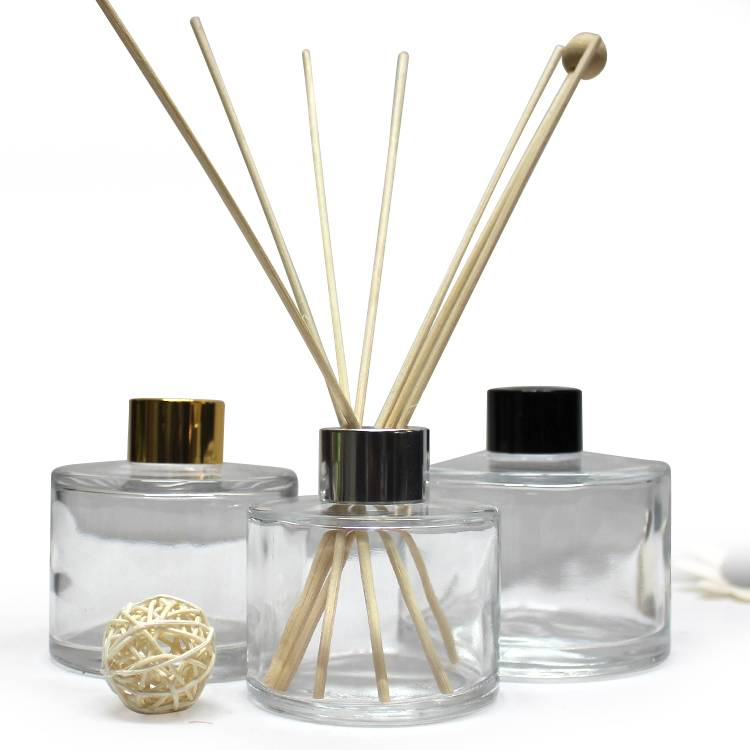 decorative small empty luxury reed diffuser glass bottle 50ml 100ml with screw cap