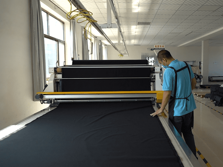 automatic cloth spreading machine