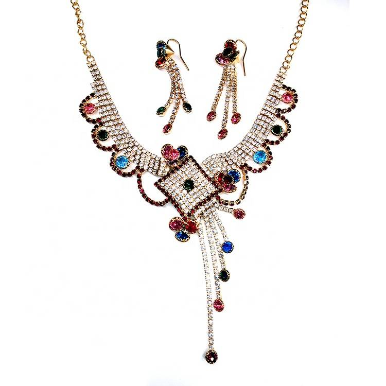 Newest fashion 2019 lady popular european italy rhinestone chain women necklace Featured Image