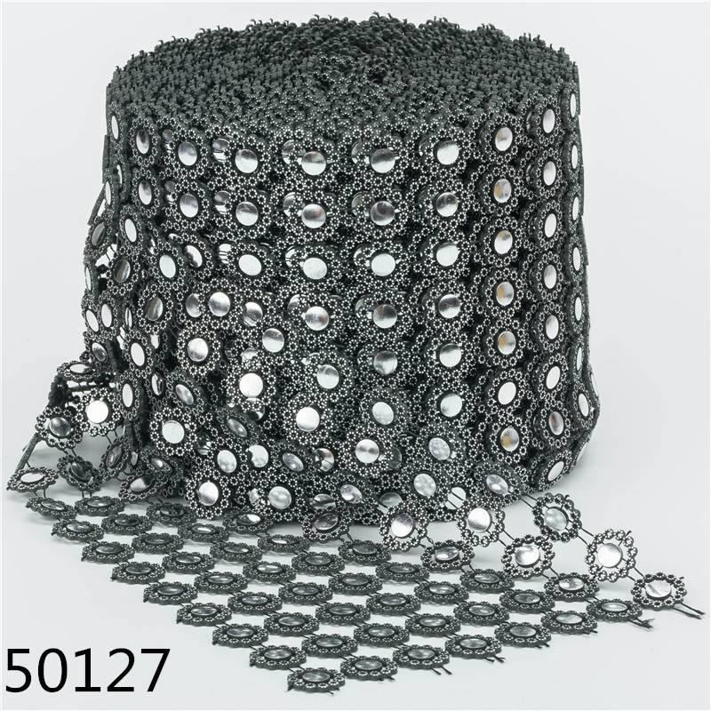 Best Price Rhinestone Chain Trim Roll Plastic Material Rhinestone Apparel Garment Parts