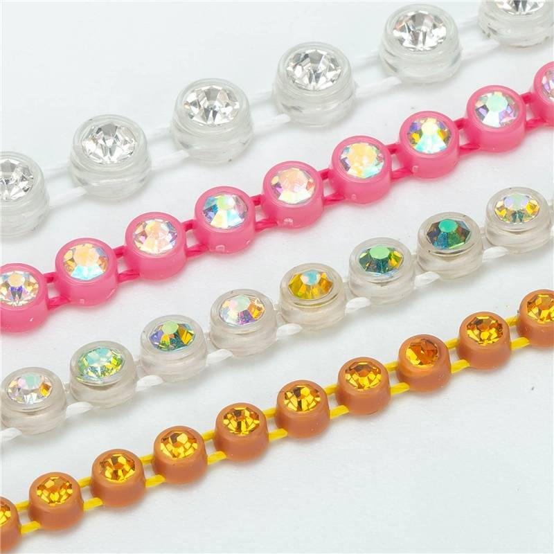 Wholesale High Quality Transparent Ss8 Single Row Plastic Multi Colors Rhinestone Banding Trim By The Yard