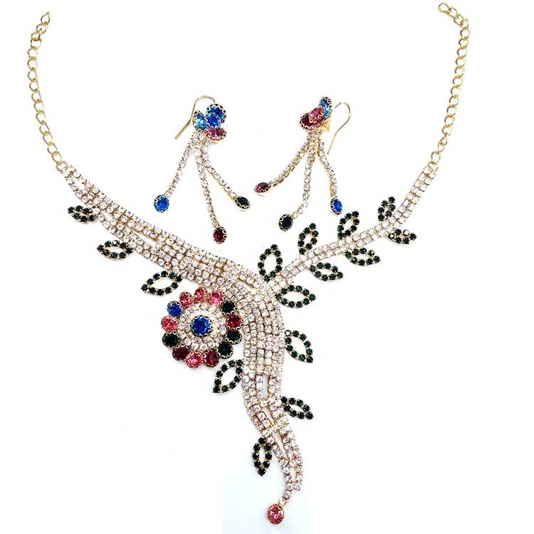 Wholesale 2019 high quality fashion crystal european rhinestone chain necklace women