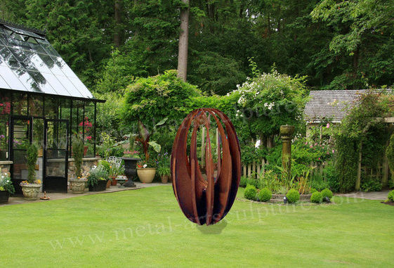 Round Statue Design Abstract Metal Sculpture Rusty Naturally Finish Lawn Decor