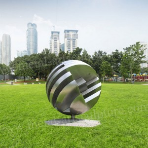 Creative Globe Stainless Steel Sculpture Matte Finish as Outdoor Square Decoration