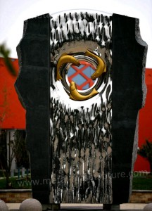Giant Modern Garden Sculptures And Statues Metal Material Size Customized