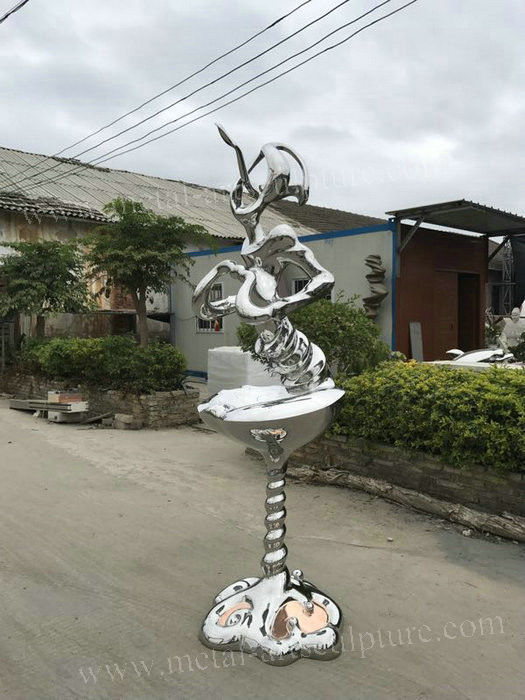 Antique Style Famous Abstract Sculptures / Outdoor Metal Art Sculptures For Yard