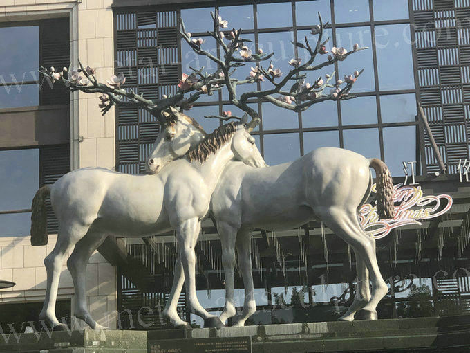 Cute Fiberglass Modern Outdoor Sculpture Beautiful Animal Deer Shape As Hotel Decoration