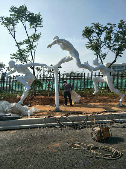 Modern Outdoor Ornamental Statues , Running Athlete Abstract Human Sculpture