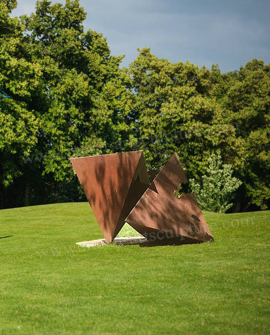 Art Craft Modern Triangle Corten Steel Garden Sculpture With Rusty Feature