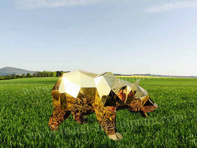 Golden Stainless Steel Statue Bear Animal Sculpture With Block Effect As Zoo Decor