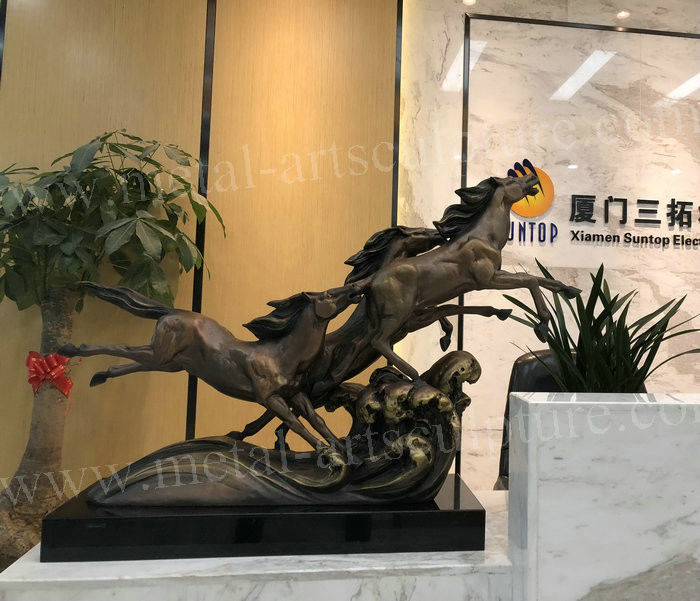1m Length Cast Bronze Sculpture / Famous Bronze Horse Sculpture For Art Gallery