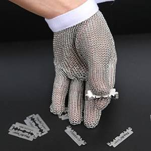Chainmail Gloves Keep Your Hands Safe