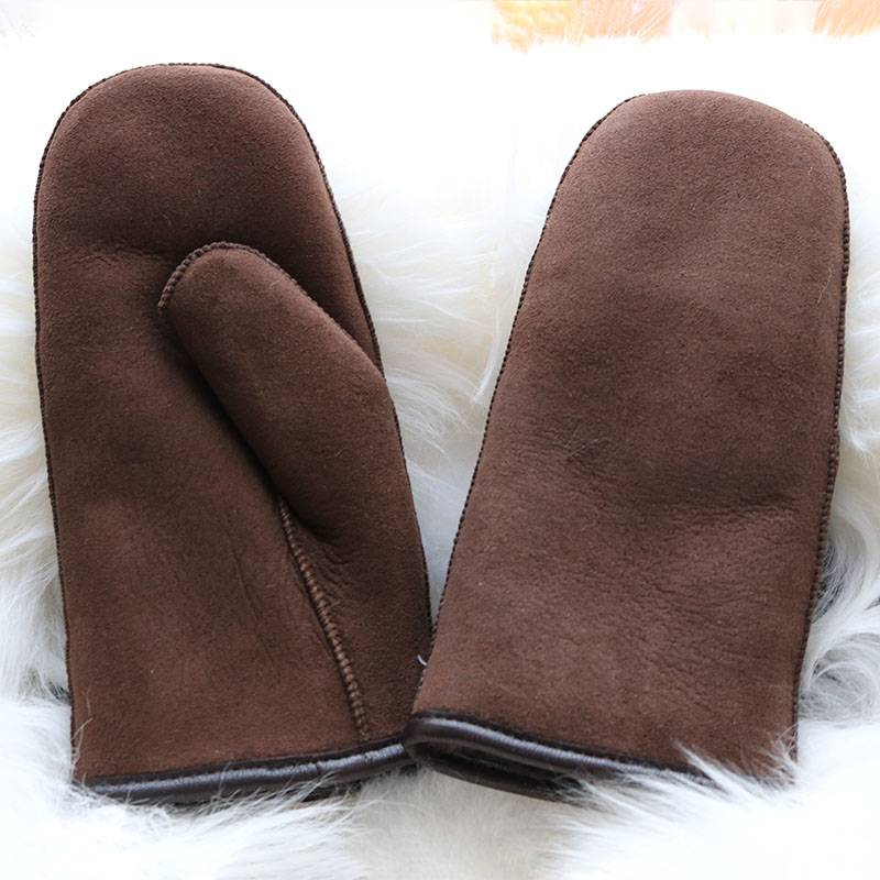 Classical genuine sheepskin mittens Featured Image