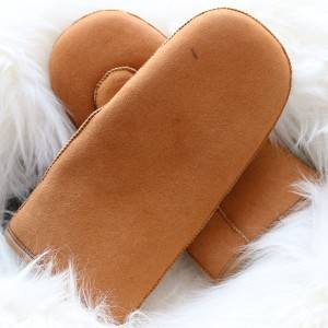 Classical genuine sheepskin mittens