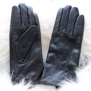 Ladies sheep leather gloves with three rows of hand-stitching
