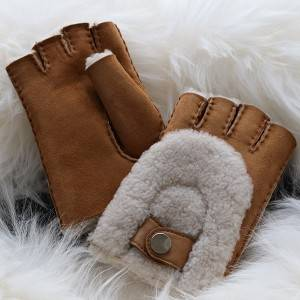 Ladies Sheepskin fingerless Mittens feature arch Wool Out Trim