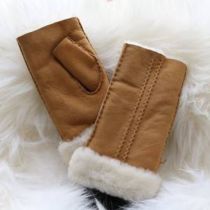 Ladies Sheepskin fingerless Mittens with two rows of hand stitching