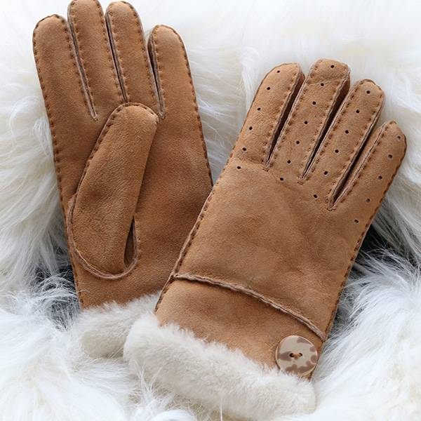 Ladies handmade whole sheepskin gloves characterised stylish knuckle holes Featured Image