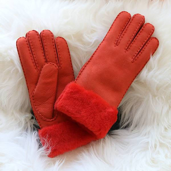 Ladies handsewn Merino sheep shearling gloves Featured Image