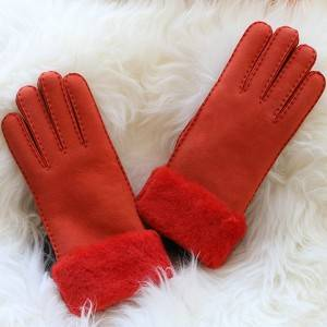 Ladies handsewn Merino sheep shearling gloves