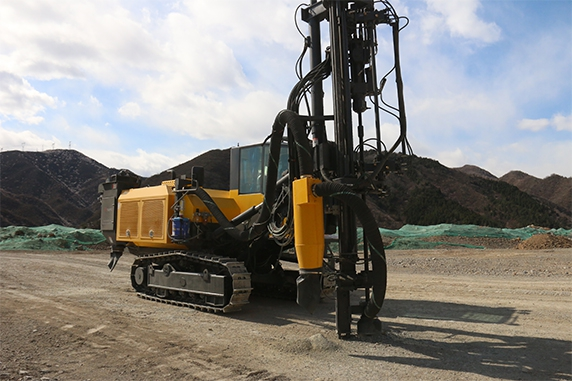 SWMC T45-TH DRILLING RIG IS WORKING AT LIMESTONE QUARRY OF CHANGPING DISTRICT OF BEIJING