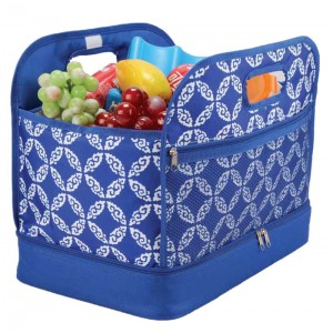 Double deck casserole carrier bag with mesh pocket