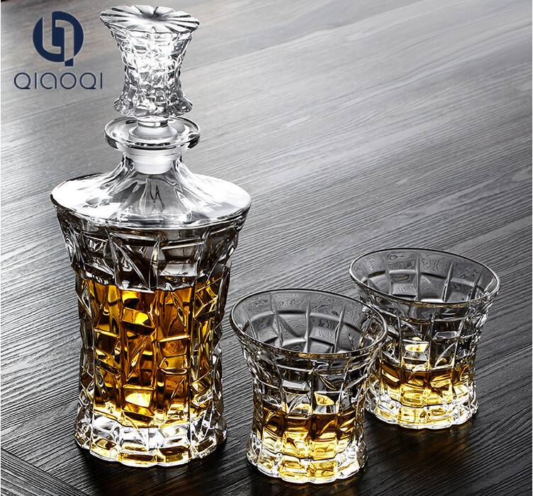 Transparent wholesale whiskey decanter set