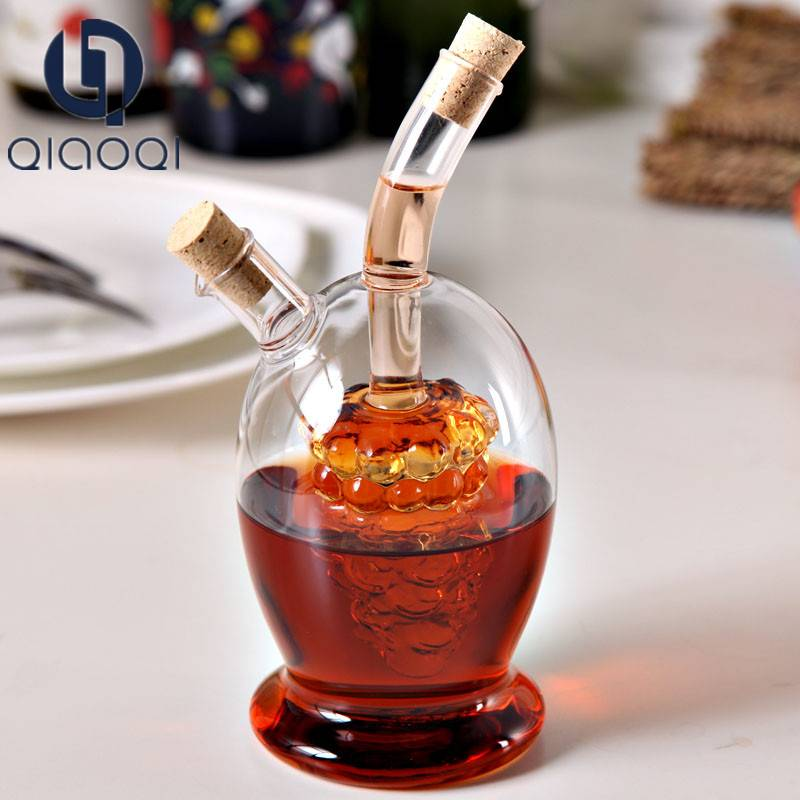 Fashion glass bottle 2 in 1 oil and vinegar dispenser with cork