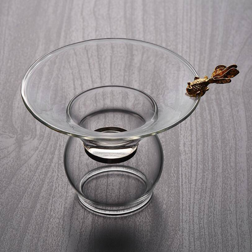 Hot sale high borosilicate clear glass tea filter  with Fish design Handle